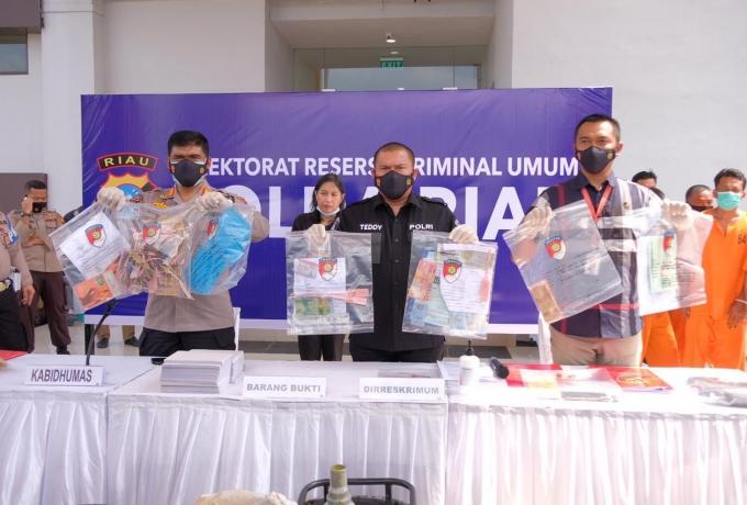 Polda Riau Gulung Pelaku Kencing Solar, Libatkan Operator Feeling Set di TBBM Pertamina Dumai