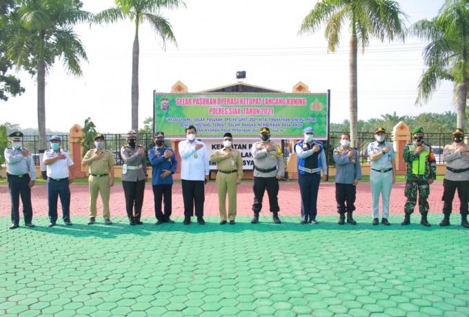 Sekda Siak Jadi Irup Pada pelaksanaan Apel Gelar Pasukan di Polres Siak