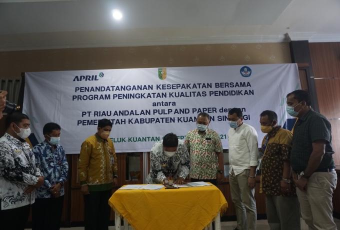 Pemkab Kuansing Jalin Kerjasama dengan PT RAPP Tingkatkan Kualitas Pendidikan