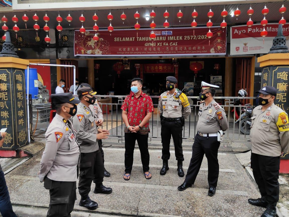 Berikan Rasa Aman Saat Ibadah Imlek Polresta Lakukan Patroli Kamtibmas di Sejumlah Vihara Kota Pekan