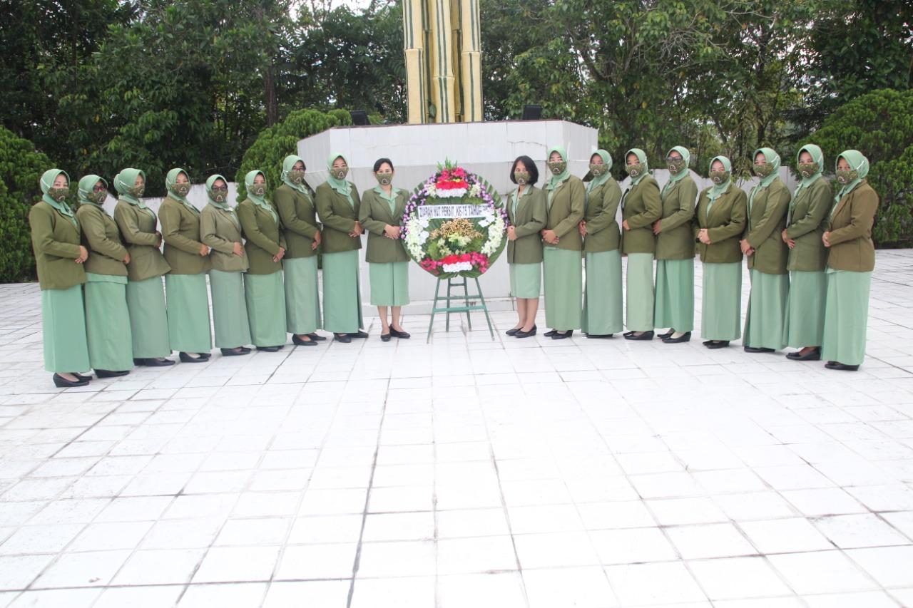 HUT Persit KCK Ke-75 Tahun 2021 Laksanakan Ziarah Ke TMP Kusuma Bakti Bangkinang