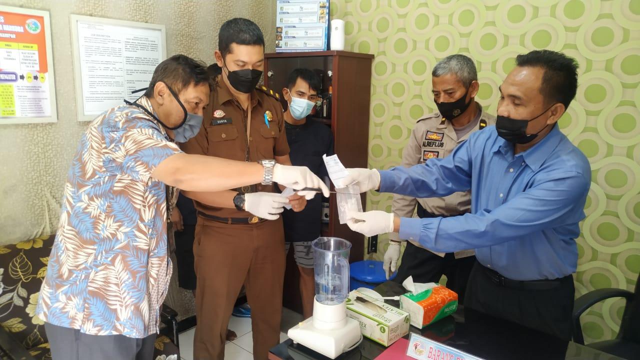 Resnarkoba Polres Kampar Musnahkan Barang Bukti 19,97 Gram Sabu dari 2 Ungkap Kasus