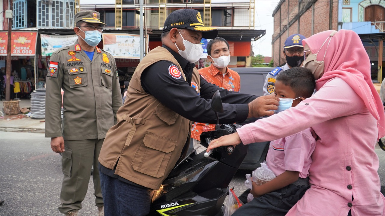 Sekda Kampar Tinjau Pasar Ramadhan, Tekankan Penerapan Protokol Kesehatan