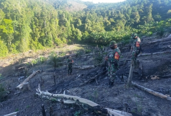 Babinsa Koramil 02 Rambah Kodim 0313/KPR Gandeng MPA Patroli Karlahut