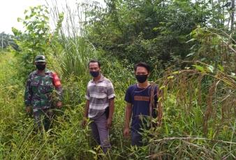 Cegah Karhutla, Babinsa Koramil 05/ Kampar Kiri Kodim 0313/KPR Patroli Bersama MPA