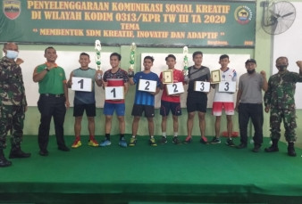 Komsos Kreatif, Kodim 0313/KPR menggelar kegiatan pertandingan Bulu Tangkis di Makodim