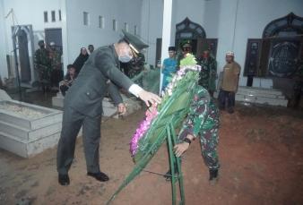 Dandim 0313/KPR Pimpin Upacara Pemakaman Militer Jenazah Koptu Zuwandri