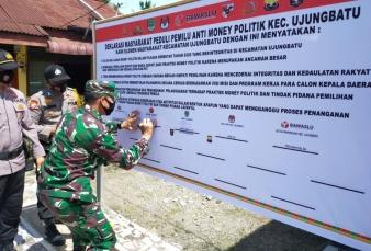 Danramil 08/Tandun Hadiri Deklarasi Masyarakat Peduli Pemilu Anti Money Politic
