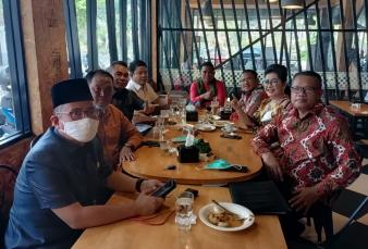 Coffe Morning dengan Anggota Fraksi PDIP DPRD Riau, H. Zukri : Kepentingan Masyarakat diatas Segalan