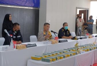 Polda Riau Sita 40 Kg Sabu dan 50 Ribu Butir Pil Ekstasi Dihari ke 10 Operasi Antik 2021